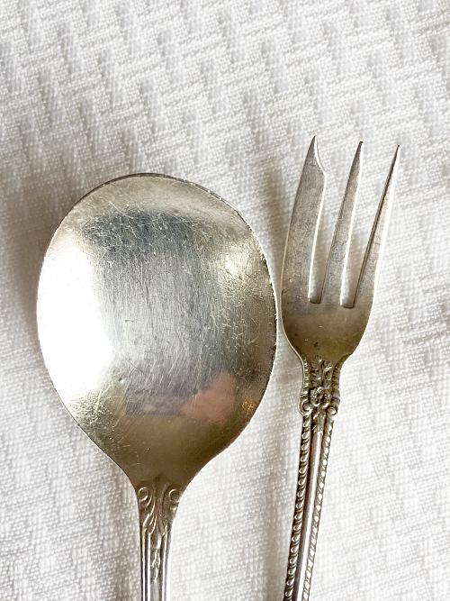 Naturally Polished Silverware using baking soda and boiling water