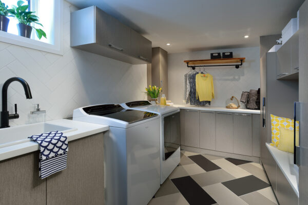 Laundry Room Makeover via Lisa Canning
