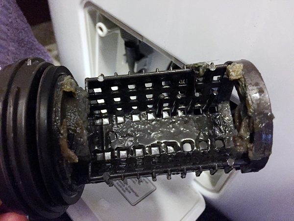 Cleaning the washing machine filter