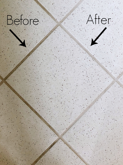 This is the easiest DIY Grout Cleaner! Only 2 ingredients and my grout looks like new. #grout #diycleaner #greenclean #groutcleaner