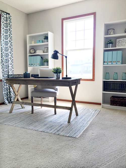 This farmhouse office transformation is incredible!
