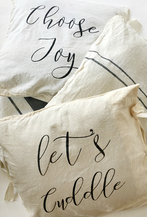 Easy No Sew Farmhouse Pillow Covers. Super Easy to Make!