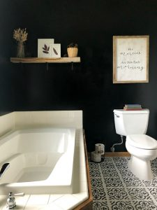 100 Modern Farmhouse Bathroom Makeover Black Accent Wall Lemons Lavender Laundry