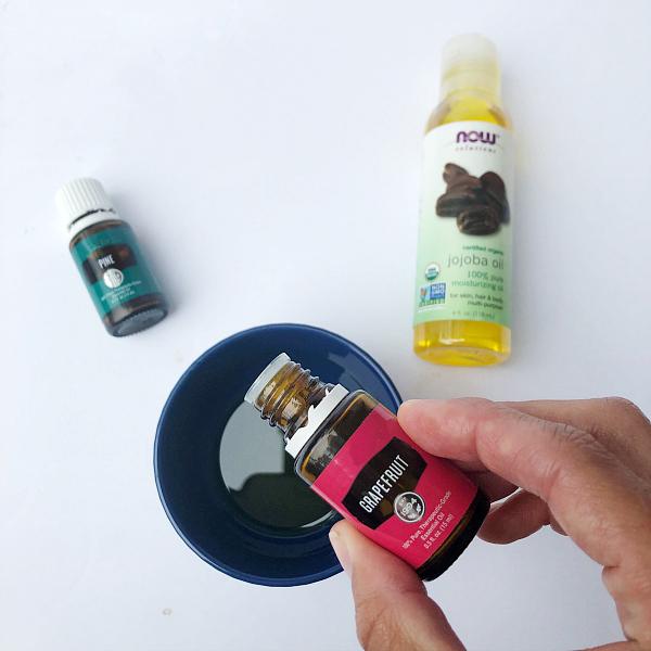 Adding essential oils to jojoba oil in order to make DIY dish soap