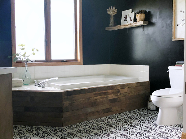 Tub Surround Updated with Barnwood