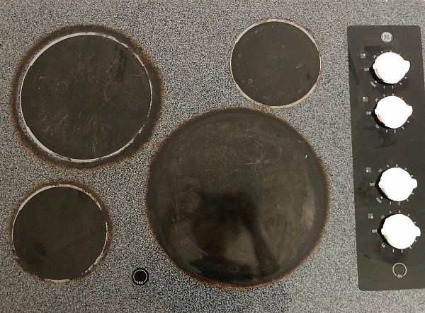 How to Clean a Glass Stove Top Before Image
