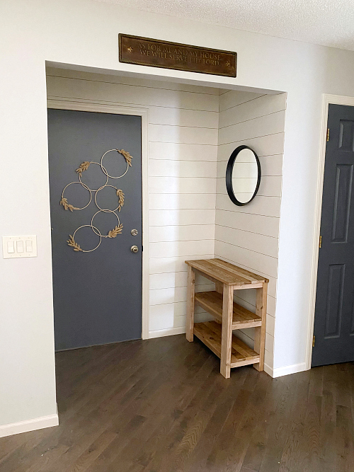 DIY Door Decor in Entry